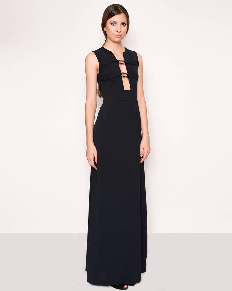 3eee6bb968 Czarna suknia wieczorowa głębokie dekoltu sukienka