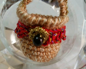 Earrings made entirely by hand with cotton threads