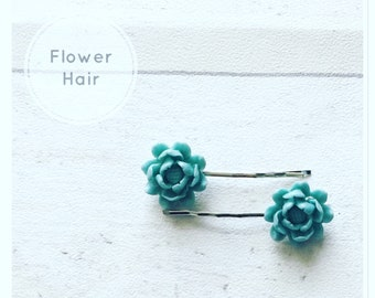 Flower hair grips /green flower clips gifts for girls/hair accessories/bridal hair accessories/flowers/girls hair accessories