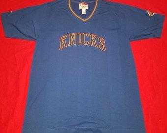a68dd3c53 Vintage Reebok Mesh Style Shoot Around New York Knickerbockers Knicks  Pullover V-Neck Shirt Embroidered Logo Size Large NBA