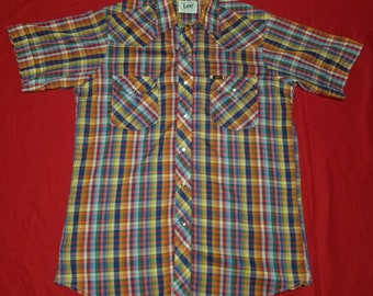 5558be0f31 Vintage Lee Western Colorful Plaid Pearl Snaps Button Up Short Sleeve  Collared Shirt Size Large Made in the USA