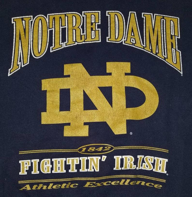 Vintage Nutmeg Mills Notre Dame Fighting Irish Crewneck Graphic Sweatshirt Size Large Made in USA