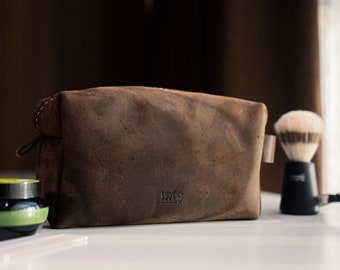 Fathers Day Gift for Dad,Personalized Leather Dopp Kit,Customized Groomsmen Gift Toiletry Bag,Monogrammed Mens Toiletry Bag,Gift for Him Men