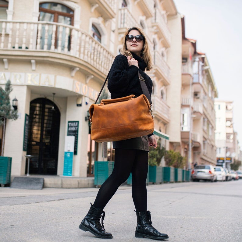 Vintage Leather Travel Bag Men and Women Leather Messenger image 0