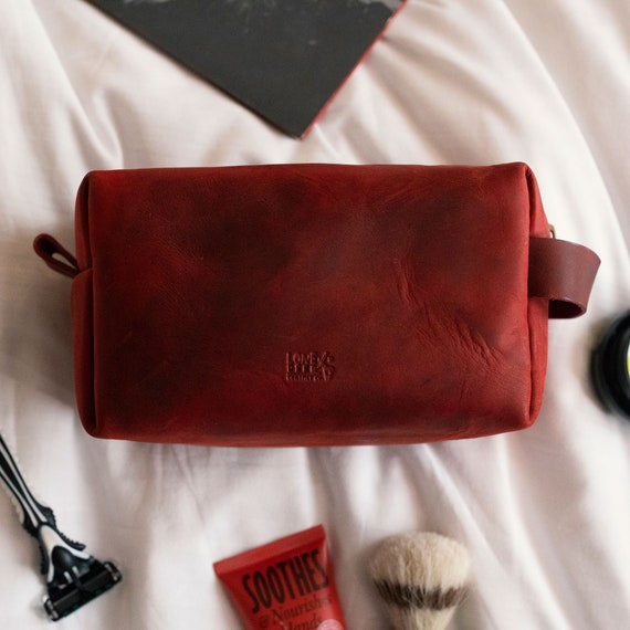 Personalized Leather Dopp Kit Customized Groomsmen Gift Toiletry Bag Monogrammed Mens Toiletry Bag Gift for Him