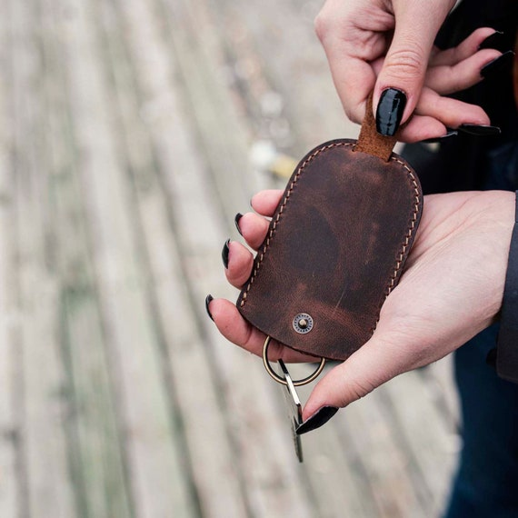 Custom Leather Keychain, Personalized Leather Keychain, Leather Engraved, Personalized Gift for Groomsmen, Christmas Gift for Sweetheart