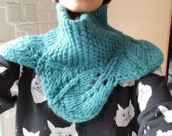 Hand made chunky leave edge neck warmer cowl - knit