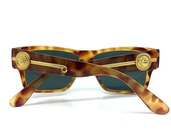 Gianni Versace 372 DM   Medusa   Notorious BIG   Vintage lunettes de soleil    NOS 2d2ca3820481