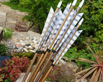 """White Tigers - Handmade Wooden Arrows. Traditional archery. Suitable for longbow, horsebow, recurve. From 28"""" to 32"""". A set of six arrows."""