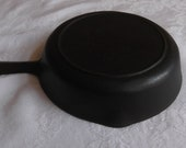BSR 3 Red Mountain 6.5 quot cast iron skillet w heat ring. Made in the 1940 39 s by Birmingham Stove Range. Excellent condition