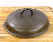 Griswold NO. 8, small block logo, cast iron skillet lid (lid only). 1098 B, Erie, PA. Excellent Condition.