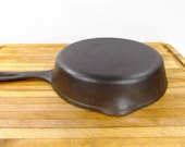 Unmarked Wagner 6, 9 quot Cast Iron Skillet. Very Good Condition. Wagner Manufacturing. 1950 39 s
