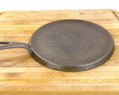 BSR Red Mountain cast iron griddle -8B - 9 inches diameter- manufactured by Birmingham Stove Range in the 1940 39 s. Excellent condition.