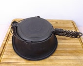 Wagner Ware Sydney-O- 1408 High Base No. 8 Cast Iron Waffle Iron. Patented Sept. 15 1925. Excellent Used Condition