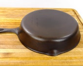 Unmarked Wagner 8, 10 1 2 inch cast iron skillet. quot Made in USA quot 1960 39 s. Excellent condition