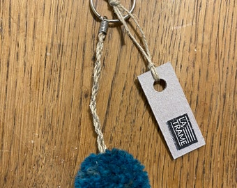 Single pompon key rings, handcrafted handcrafted in wool and linen