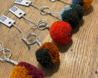 Key rings small colorful degraded pompon, handcrafted in wool and linen