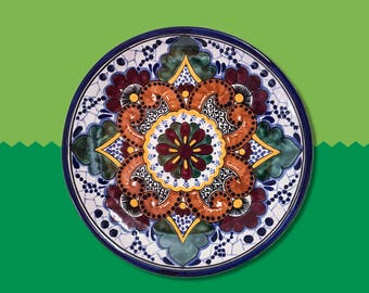 Symmetric Talaveras decorative plate