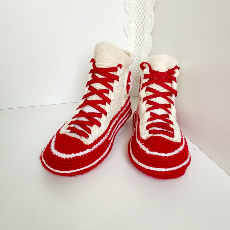 50487f42a22004 Knitted converse slippers 39 Crochet converse sneakers