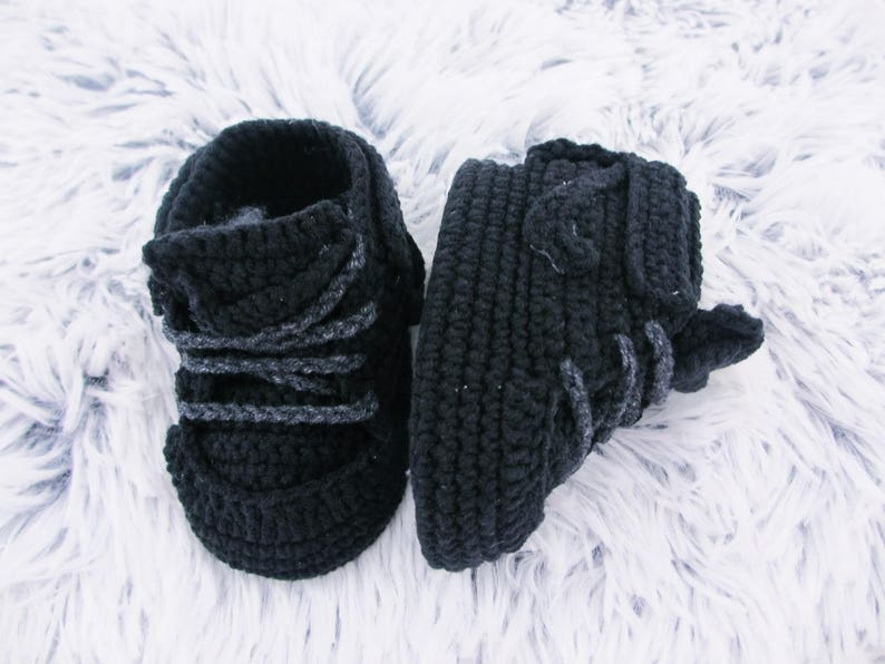 dfb0f01e5 Crochet baby shoes Black Baby booties Baby crochet booties | Etsy