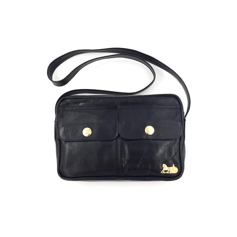 0eeb22577a6d Authentic Celine Vintage Horse Carriage shoulder bag