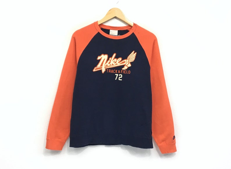 21bba9324204d Nike Crewneck Sweatshirt Jumper Big Logo Pullover / Sports Brand /  Streetwear / Hip Hop Style / Fashion Style / Medium Size
