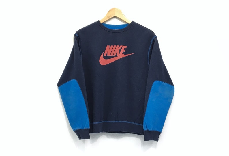 01007a3d78cf0 Nike Crewneck Sweatshirt Jumper Big Logo Spell Out Pullover / Sports Brand  / Streetwear / Small Size / Hip Hop / Fashion Style