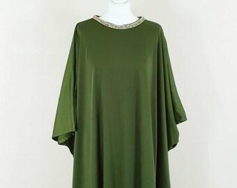 dd2fc65d7e Olive green satin silk kaftan