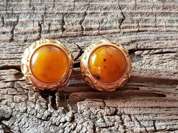 Vintage Maresco clip on earrings. Clip on earrings
