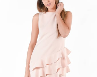 Sweet and Sleeveless Shift Dress in Light Pink