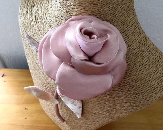 Floral jewelry inspired by pink brooch fashion accessory for women