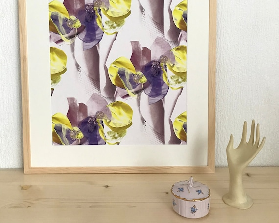 Drawing of purple and yellow patterned flowers for decoration