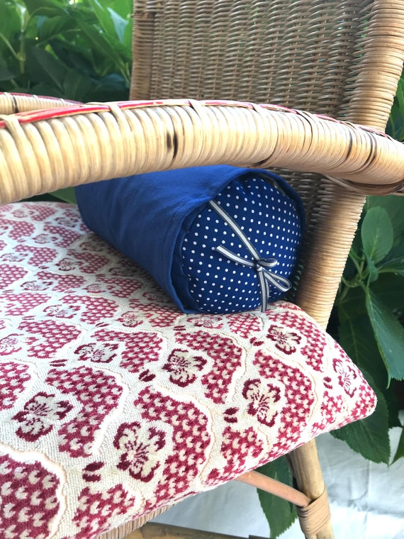 Lavender-filled wellness cushion with washable over-cover for relaxation
