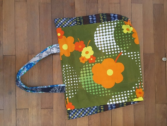 Large fabric bag with large pockets for all purposes