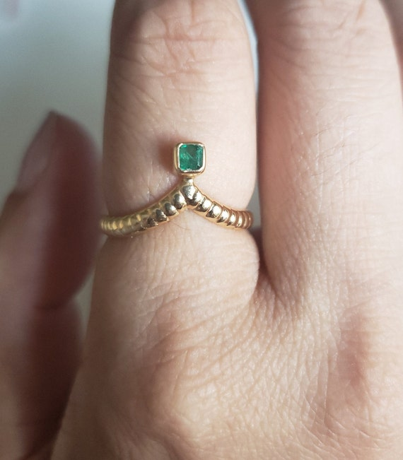 Emerald Tiara Ring / 18K Yellow Gold Emerald Ring
