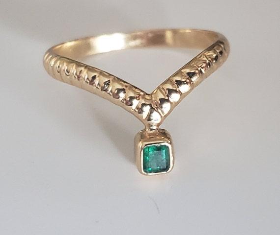 Emerald Tiara Ring / 18K Yellow Gold Emerald Ring
