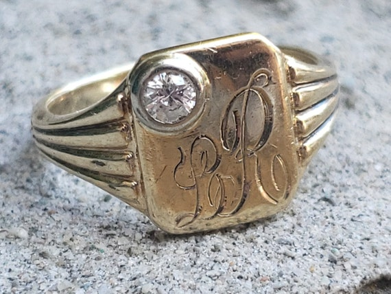 Gold and Diamond Vintage Signet Ring / Engraved Si
