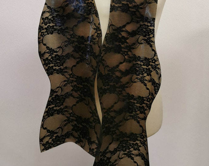 Latex Flying Scarf 'Lace'
