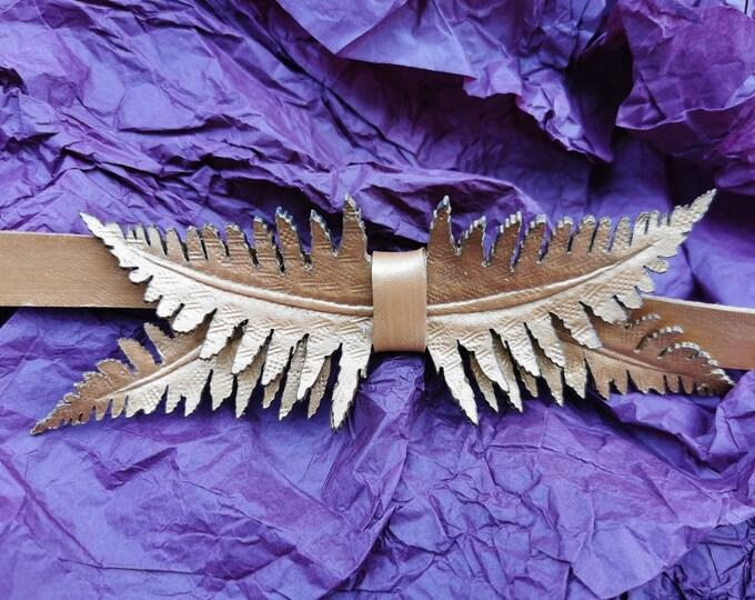 Extravagante Leder Fliege 'Farn gold'