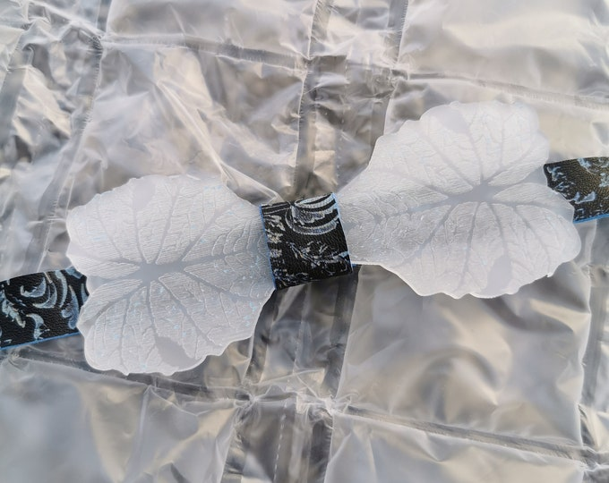 Acrylic bow tie 'Ice Flower'