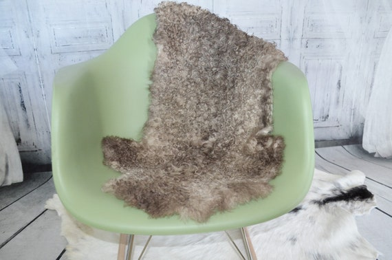 Unique Decorative small baby Lambs wool Sheepskin fur throw pelt