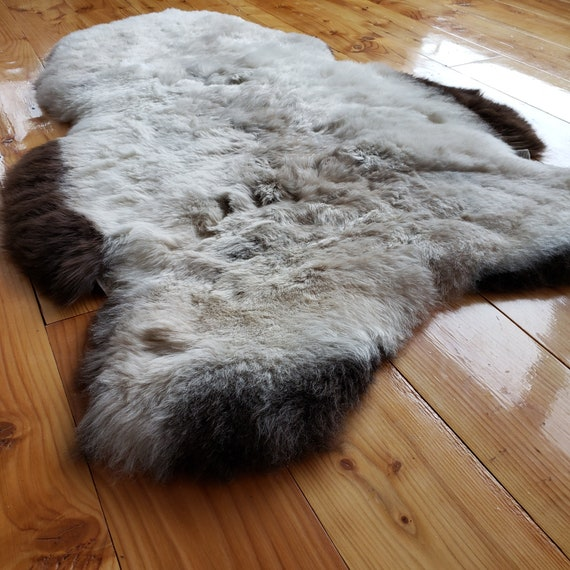 Silky soft short wool Natural genuine sheepskin pelt hide fur throw rug