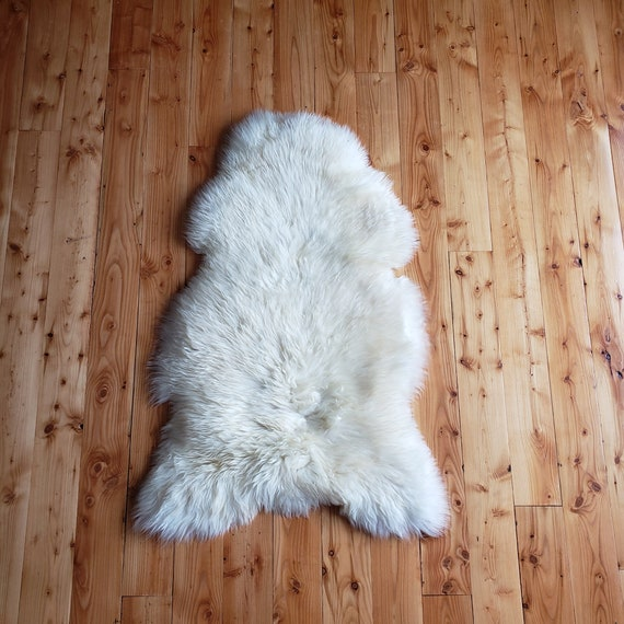 "50"" x 31"" Lux soft and thick Genuine sheepskin Fur throw rug"