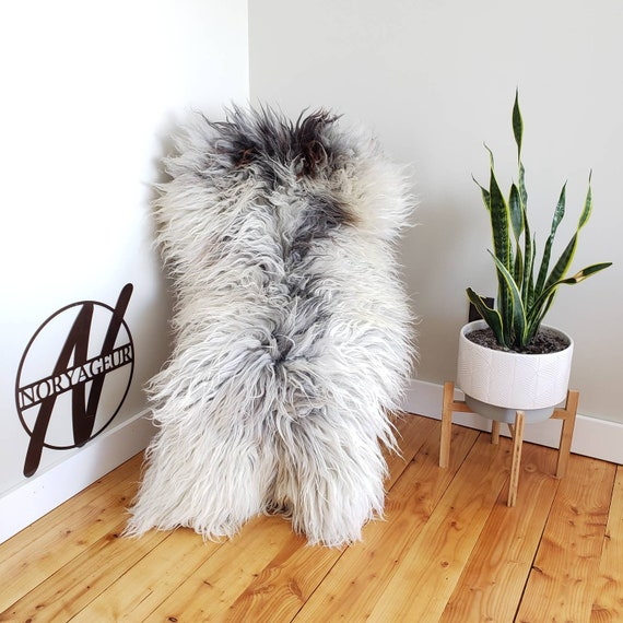 "59"" x 34"" x 7"" wool! Luxury Genuine Rare Breed Gotland X Sheepskin Fur Throw Rug Pelt Extremely Soft textured Wool Silver Gray White brown"