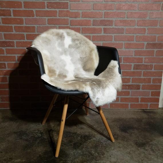 "40 x 24"" soft Genuine lambswool shearling pelt"