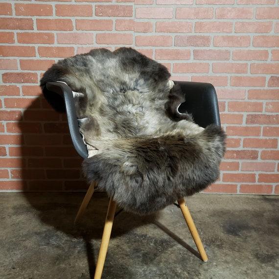 "40"" x 27"" rare natural gray Genuine lambswool shearling fur throw rug"