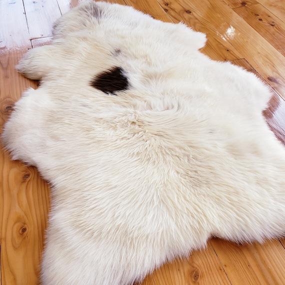 "43"" x 29"" Natural Soft Genuine Sheepskin fur throw rug - Hide Pelt Wool Lambskin Shearling Medium spot"