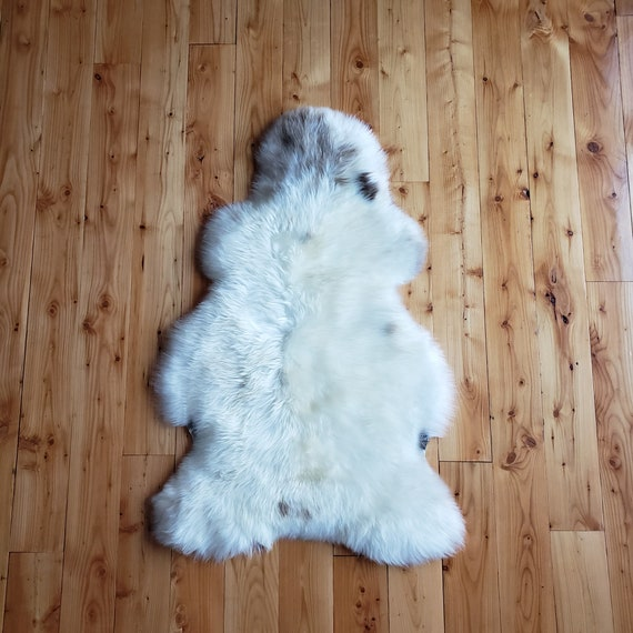 "48"" x 30"" Lux soft Natural large genuine sheepskin fur throw rug"