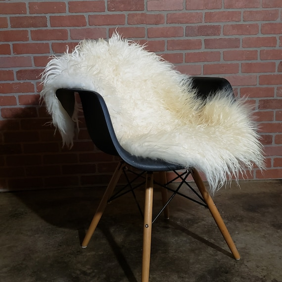 Best unique house warming gift curly Genuine sheepskin wool throw rug
