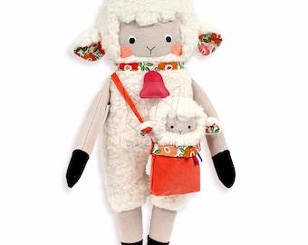 Patron de couture PDF Mouton, Animal en peluche, Jouet souple agneau, DIY Poupée de chiffon animal, Tutoriel Poupée avec accessoires et bébé